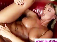 Блондинка заглатывает большой торчок, порно фото украинских шалав
