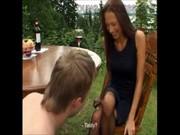 Госпожи Лера и Джулия издеваются над рабом на пикнике
